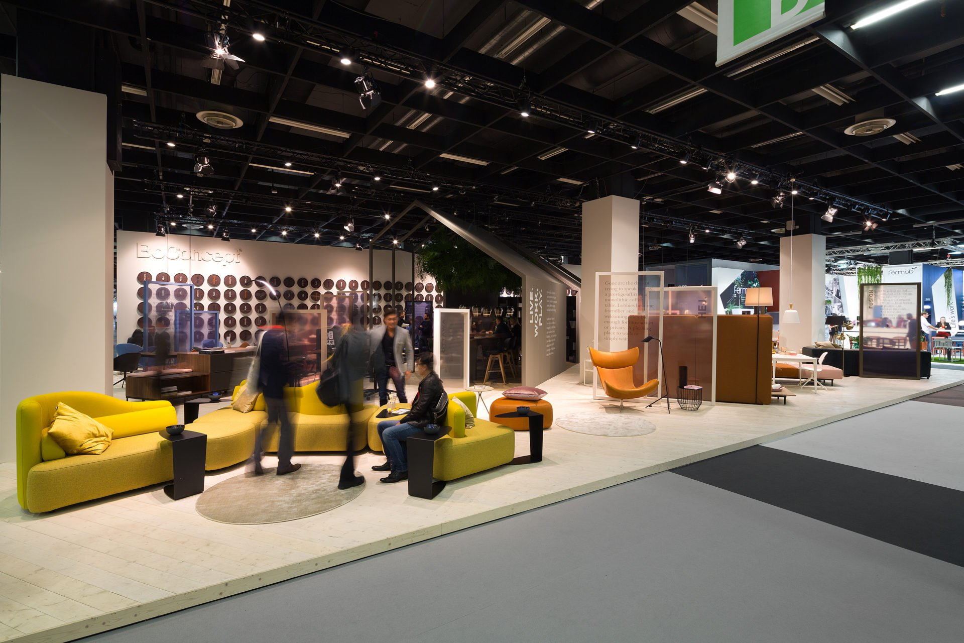 Boconcept Orgatec18 Messedesign Messestand Messebau Front