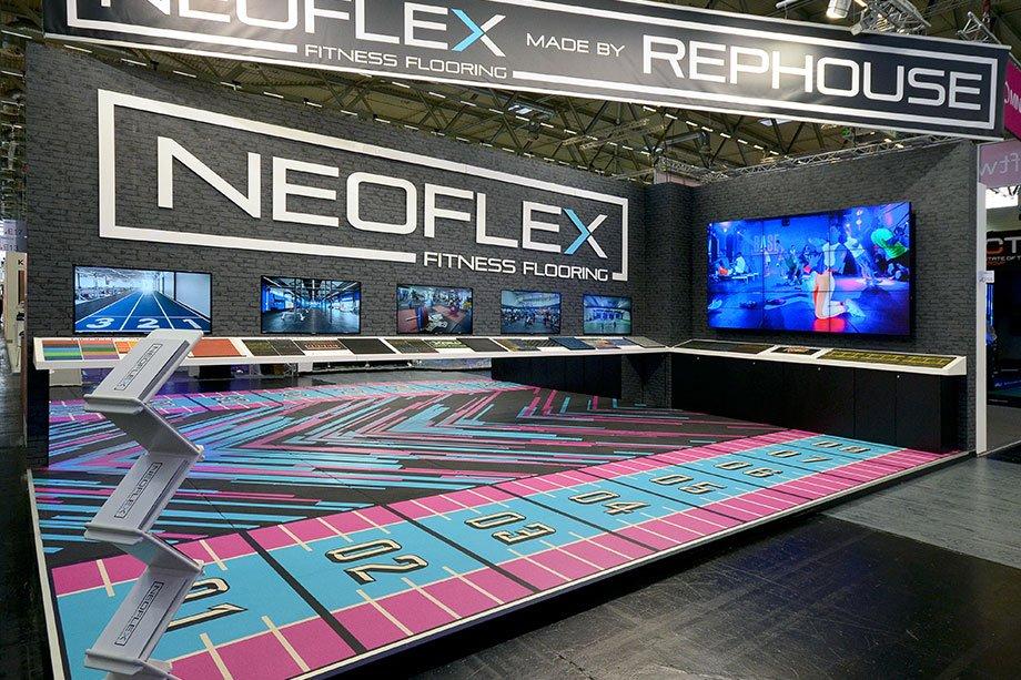 Rephouse Neoflex Messestand Siehr Messebau Imm Koeln 920x613 1