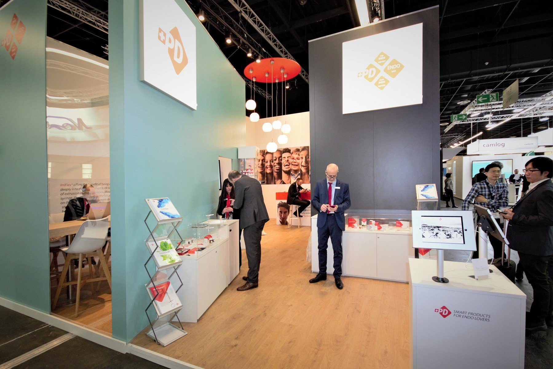 Produits Dentaires Sa Koeln Internationale Dental Show Cologne Messestand Messebau Messebauer 4